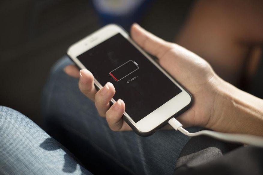 Bateria do iPhone: por que elas duram pouco e são vistas como o ponto fraco do iPhone?